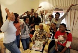 Nelson Mandela festeggia i suoi 90 anni